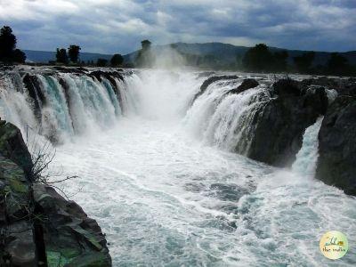 Hogenakkal falls